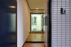 玄関から見た内部の様子。(2014-03-26,周辺環境,ENTRANCE,2F)