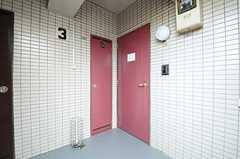 玄関の様子。3Fは女性専用フロアです。(2014-03-26,共用部,OTHER,3F)
