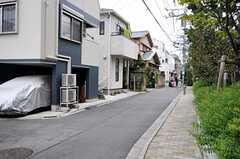 各線・東新宿駅からシェアハウスへ向かう道の様子。(2012-09-28,共用部,ENVIRONMENT,1F)