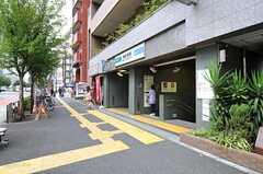 各線・東新宿駅の様子。(2012-09-28,共用部,ENVIRONMENT,1F)