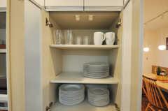 食器棚の様子。(2013-12-19,共用部,KITCHEN,1F)