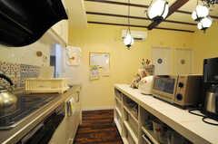 キッチンの様子。(2013-08-30,共用部,KITCHEN,1F)