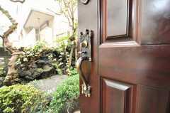 ドアの引き手がカッコイイ。(2009-06-29,共用部,OTHER,1F)