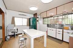 シェアハウスのキッチンの様子。(2009-06-29,共用部,LIVINGROOM,1F)