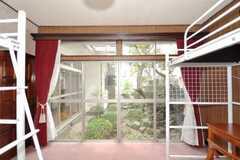 ドミトリーの様子4。2012年5月現在、専有部に変更されています。中庭に面している。(101号室)(2009-06-29,専有部,ROOM,1F)