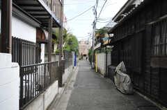 東京メトロ副都心線・西早稲田駅からシェアハウスへ向かう道の様子。(2010-09-14,共用部,ENVIRONMENT,1F)