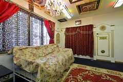 専有部の様子3。ソファはベッドを兼ねています。(101号室)(2015-10-21,専有部,ROOM,1F)
