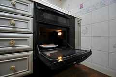 オーブンも使用できます。(2013-04-04,共用部,KITCHEN,2F)