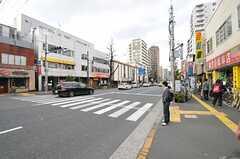 副都心線・西早稲田駅からシェアハウスへ向かう道の様子。(2013-04-04,共用部,ENVIRONMENT,1F)