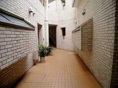 マンション内部の様子。まさに目白の高級マンション。(2006-06-15,共用部,OTHER,1F)