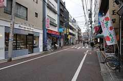 都営新宿線・曙橋駅前の商店街。(2012-11-19,共用部,ENVIRONMENT,1F)