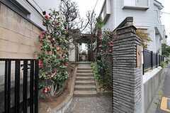 シェアハウスの正門。(2011-04-08,周辺環境,ENTRANCE,1F)