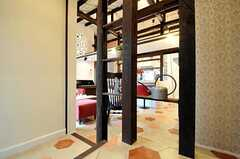 柱を改造した飾り棚があります。(2011-04-08,共用部,OTHER,1F)