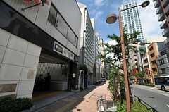 都営大江戸線・西新宿五丁目駅の様子。(2011-06-21,共用部,ENVIRONMENT,1F)