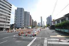 都営大江戸線・中井駅前の様子。(2011-10-10,共用部,ENVIRONMENT,1F)