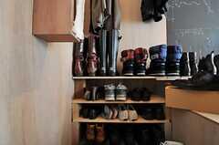 靴棚も後付けです。(103号室)(2013-05-19,専有部,ROOM,1F)