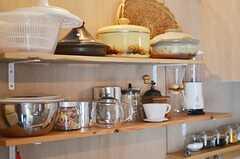 キッチンの棚も造作されたそう。(103号室)(2013-05-19,共用部,OTHER,1F)