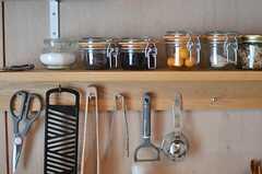 可愛らしい瓶が並んでいます。(103号室)(2013-05-19,共用部,OTHER,1F)