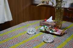 テーブルの上にはちょっとしたお菓子が用意されています。(2013-12-25,共用部,LIVINGROOM,1F)