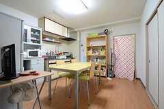 リビングの様子2。(301号室)(2012-12-18,共用部,LIVINGROOM,3F)