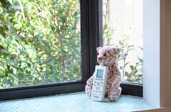 出窓にはモザイクタイルが用いられています。(201号室)(2012-09-09,専有部,ROOM,2F)