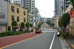 周辺には外苑東通りが通っています。(2012-09-23,共用部,ENVIRONMENT,1F)