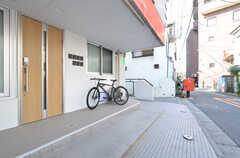 自転車置き場の様子。(2016-03-25,共用部,GARAGE,1F)