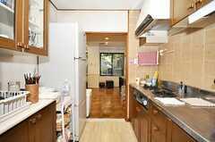 シェアハウスのキッチンの様子。(2009-10-13,共用部,KITCHEN,)