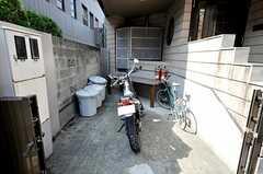 自転車置場の様子。(2009-10-13,共用部,GARAGE,1F)