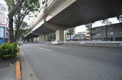 京王線・桜上水駅からシェアハウスへ向かう道の様子。(2014-07-24,共用部,ENVIRONMENT,1F)