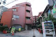 マンションの外観。最上階にシェアハウスがあります。(2014-05-09,共用部,OUTLOOK,1F)