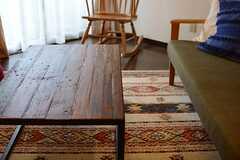 木のセンターテーブル。(2015-08-31,共用部,LIVINGROOM,5F)