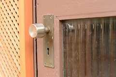 玄関ドアノブの様子。(2011-10-19,周辺環境,ENTRANCE,1F)