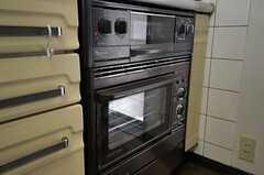 使い込まれたオーブン。(2012-04-10,共用部,KITCHEN,1F)