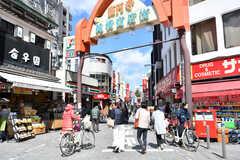 高円寺駅前の商店街の様子。(2019-03-08,共用部,ENVIRONMENT,1F)