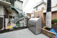敷地内にゴミステーションが設置されています。(2017-10-25,共用部,GARAGE,1F)