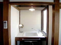 洗面台の様子。(202号室)(2007-09-04,専有部,ROOM,2F)