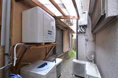洗濯機と乾燥機の様子。(2014-05-16,共用部,LAUNDRY,1F)