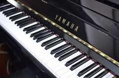 ピアノは現役。(2013-10-17,共用部,LIVINGROOM,1F)
