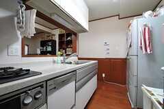 キッチンの様子2。(2013-10-17,共用部,KITCHEN,1F)