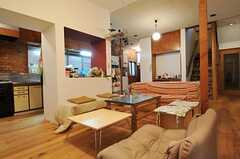 シェアハウスのリビングの様子。(2011-01-26,共用部,LIVINGROOM,1F)
