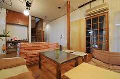 シェアハウスのリビングの様子2。(2011-01-26,共用部,LIVINGROOM,1F)
