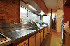 シェアハウスのキッチンの様子。(2011-01-26,共用部,KITCHEN,1F)