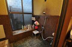 バスルームに設置されたシャワーの様子。(2011-01-26,共用部,BATH,1F)