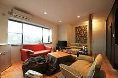 シェアハウスのリビングの様子2。(2011-01-26,共用部,LIVINGROOM,2F)