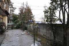 庭では物干しもできます。(2011-01-26,共用部,OTHER,1F)