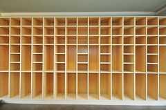 靴箱の様子。ニーハイブーツも収納可能。(2010-03-01,周辺環境,ENTRANCE,1F)