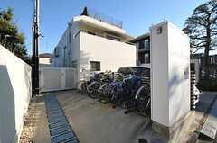 駐輪場の様子。(2013-12-13,共用部,GARAGE,1F)