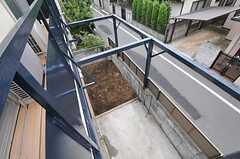 ベランダからは菜園を見下ろすことが出来ます。(2011-07-28,共用部,OTHER,2F)