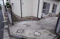 自転車置場の様子。  (2011-07-28,共用部,GARAGE,1F)